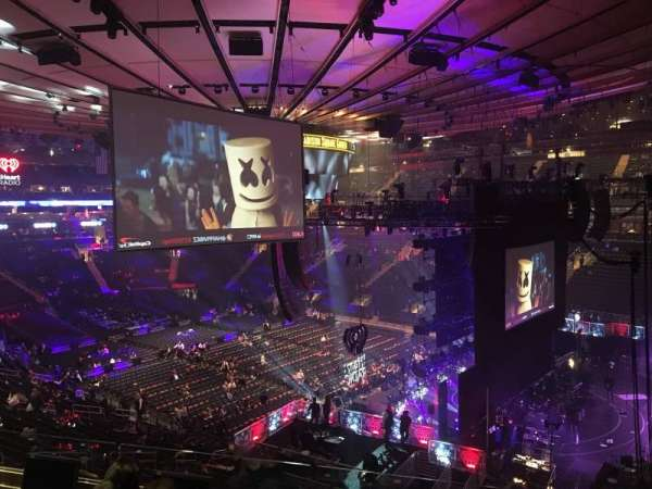 Madison Square Garden, vak: 214, rij: 4, stoel: 16