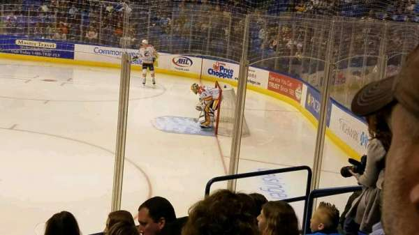Mohegan Sun Arena at Casey Plaza, vak: 114, rij: H, stoel: 6