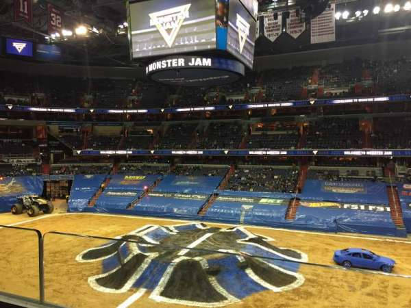 Capital One Arena, vak: 216, rij: A, stoel: 14