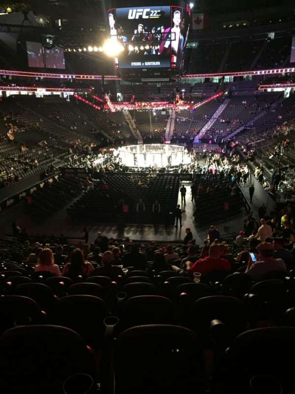 T-Mobile Arena, vak: 1, rij: W, stoel: 11