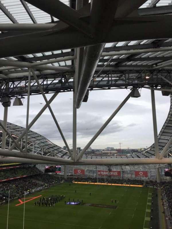 Aviva Stadium, vak: 512, rij: T, stoel: 23