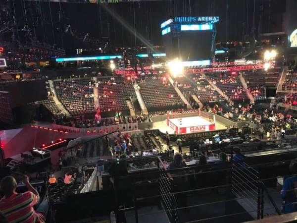 State Farm Arena, vak: 213, rij: F, stoel: 3