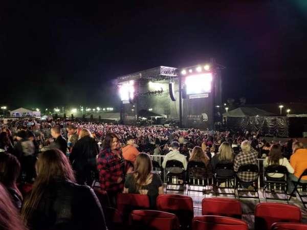 FivePoint Amphitheater, vak: Terrace 301, rij: 5, stoel: 42