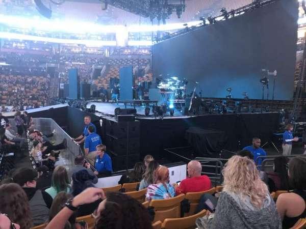 TD Garden, vak: Loge 21, rij: 6, stoel: 5