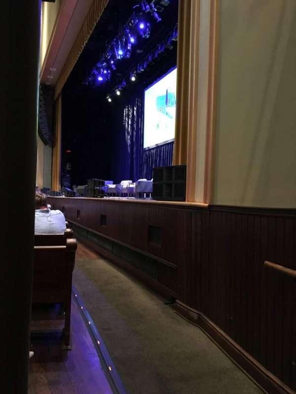 Ryman Auditorium, vak: MF-1, rij: M, stoel: 1