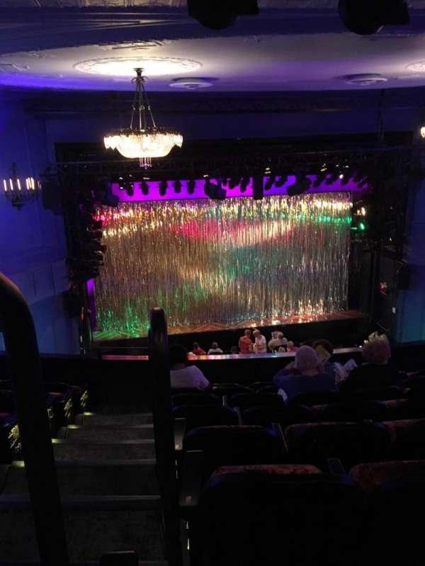 Hayes Theater, vak: Mezzanine C, rij: H, stoel: 114