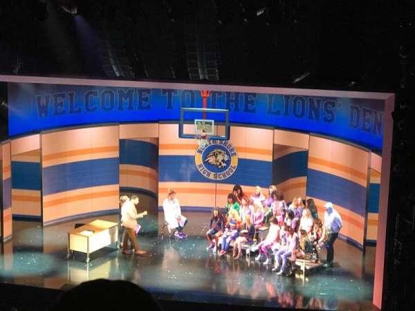 August Wilson Theatre, vak: RMezz, rij: P, stoel: 2