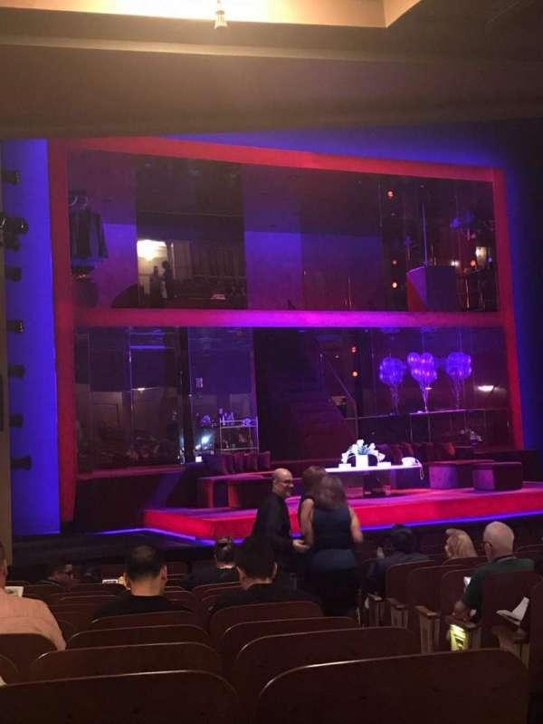 Booth Theatre, vak: Orchestra L, rij: N, stoel: 5