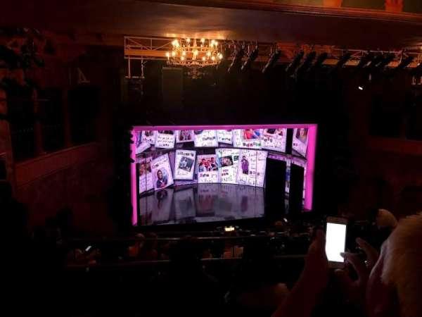 August Wilson Theatre, vak: MezzL, rij: L, stoel: 9