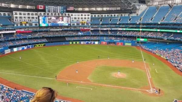 Rogers Centre, vak: 528R, rij: 2, stoel: 5