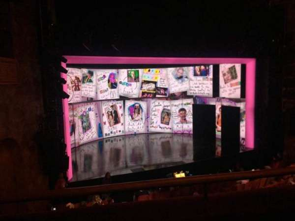 August Wilson Theatre, vak: MezzL, rij: B, stoel: 11
