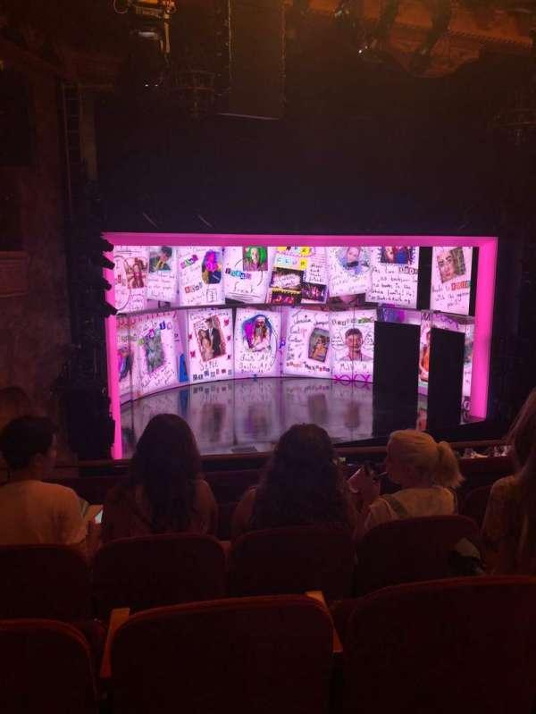 August Wilson Theatre, vak: Mezz, rij: E, stoel: 11