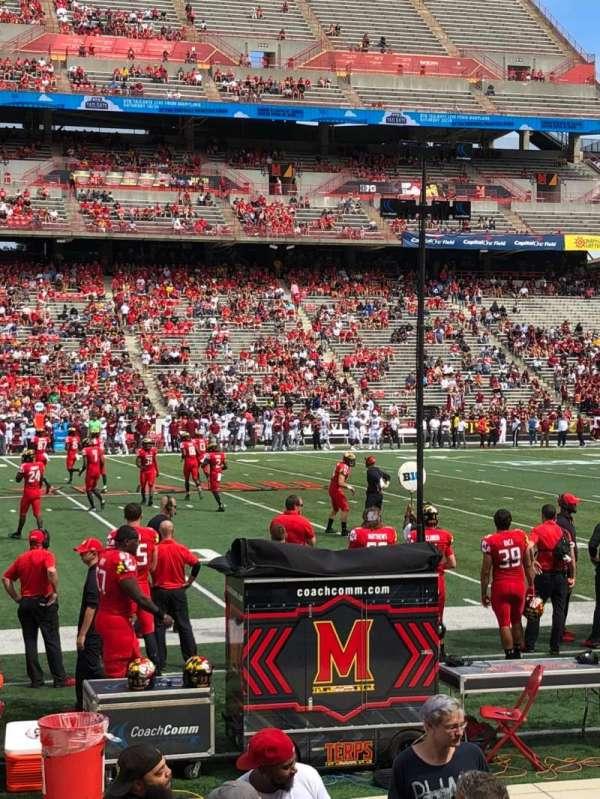 Maryland Stadium, vak: 24, rij: J, stoel: 29