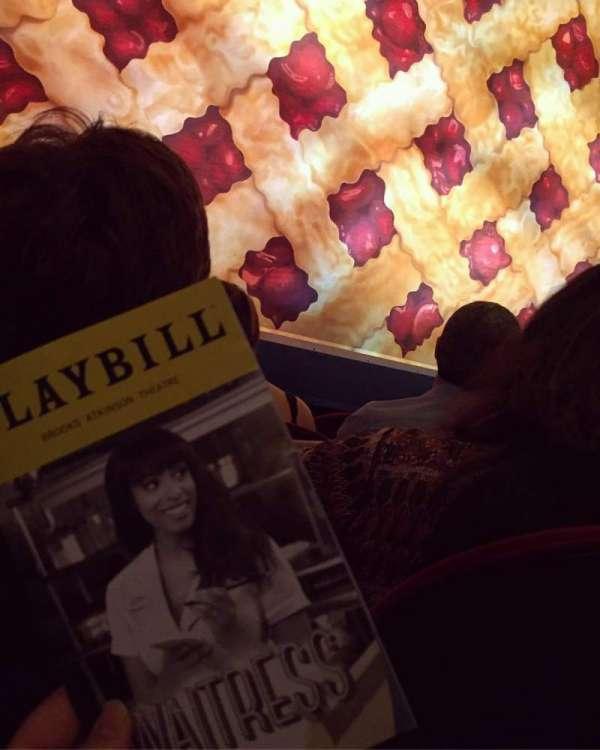Brooks Atkinson Theatre, vak: ORCH, rij: B, stoel: 102