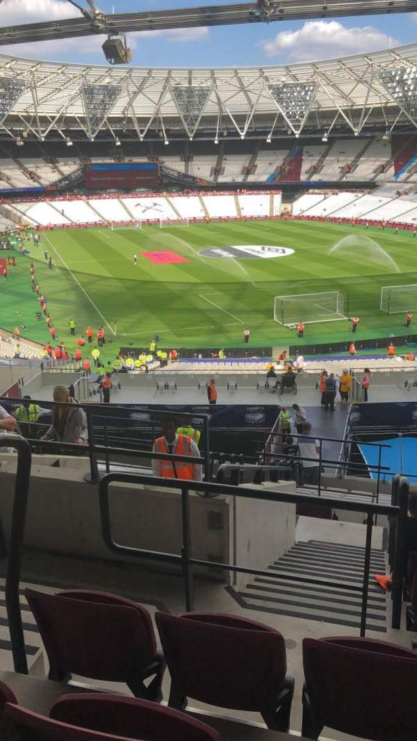 London Stadium, vak: 217, rij: 32, stoel: 342
