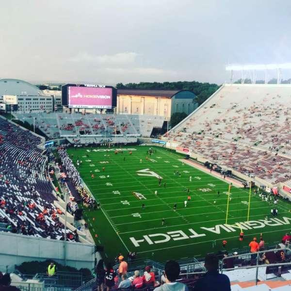 Lane Stadium, vak: 508, rij: S, stoel: 11