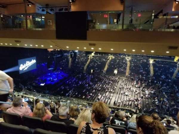 Madison Square Garden, vak: 225, rij: 19, stoel: 6
