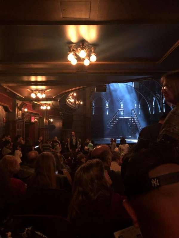 Lyric Theatre, vak: Orchestra R, rij: W, stoel: 31