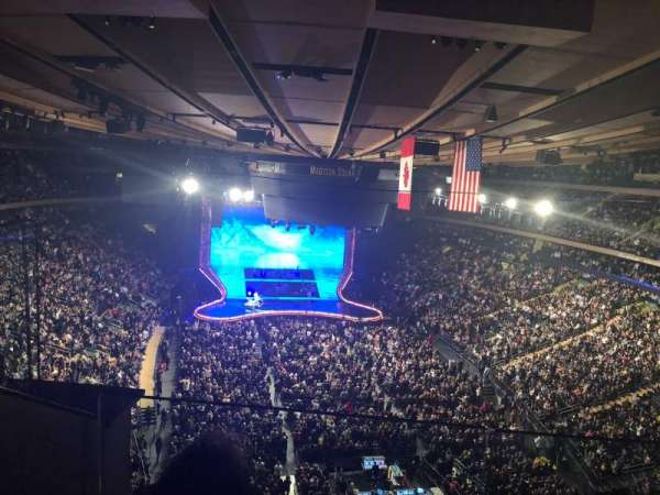 Madison Square Garden, vak: 304, rij: 2, stoel: 2