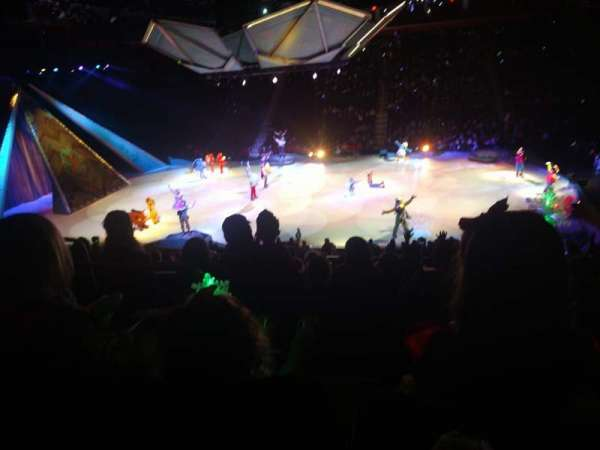 Little Caesars Arena, vak: 121, rij: 19, stoel: 14