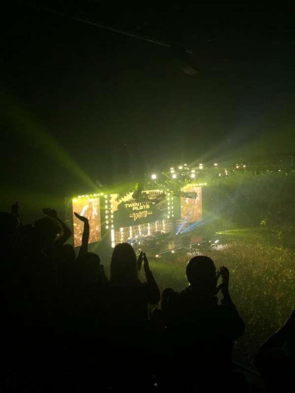 Bridgestone Arena, vak: 217, rij: G, stoel: 5