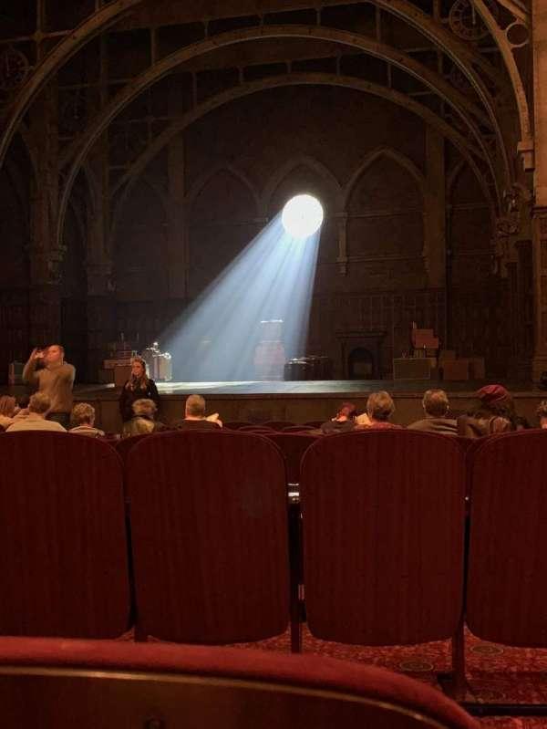 Lyric Theatre, vak: Right Orchestra, rij: L, stoel: 14