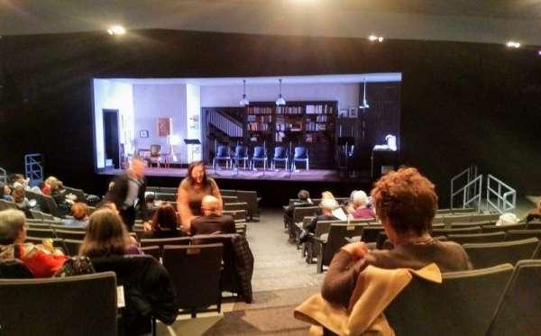Laura Pels Theatre, vak: Orch, rij: P, stoel: 2
