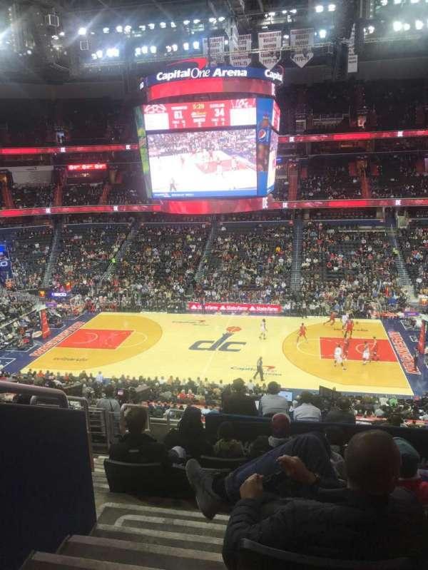 Capital One Arena, vak: 216, rij: K, stoel: 3