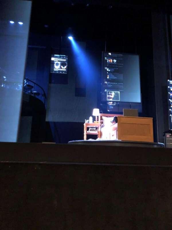Ahmanson Theatre, vak: Orchestra front, rij: AA, stoel: 7