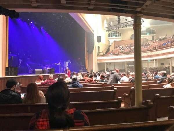 Ryman Auditorium, vak: MF-8, rij: Q, stoel: 4