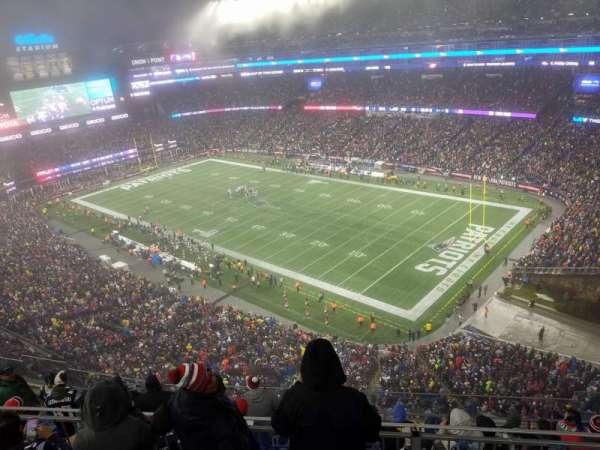 Gillette Stadium, vak: 302, rij: 24, stoel: 12