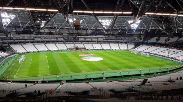 London stadium, vak: 233, rij: 65, stoel: 318