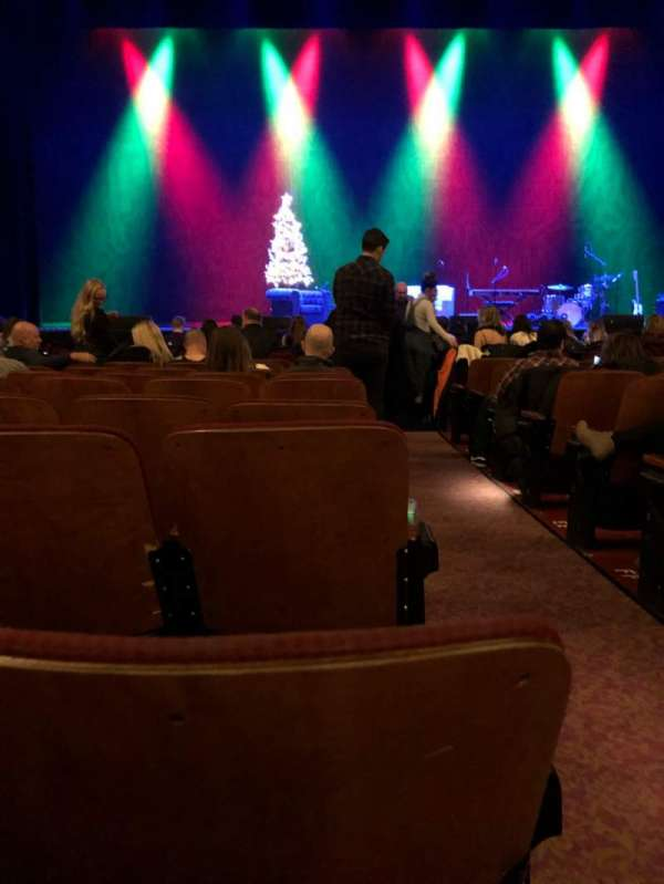 Chicago Theatre, vak: MNFL4L, rij: JJ, stoel: 401