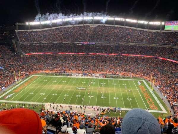 Broncos Stadium at Mile High, vak: 532, rij: 32, stoel: 14