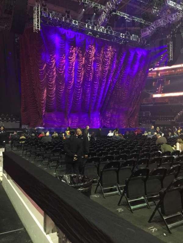 Capital One Arena, vak: 100, rij: A, stoel: 11