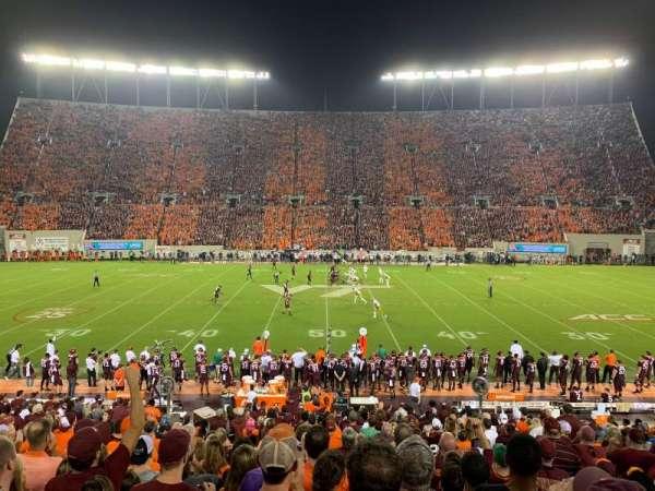Lane Stadium, vak: 10, rij: BB, stoel: 26