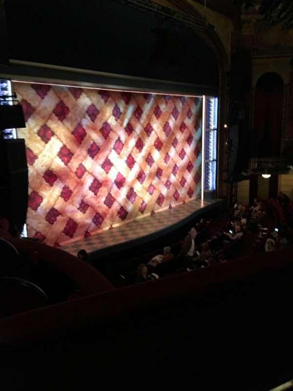 Brooks Atkinson Theatre, vak: Mezzanine, rij: B, stoel: 25
