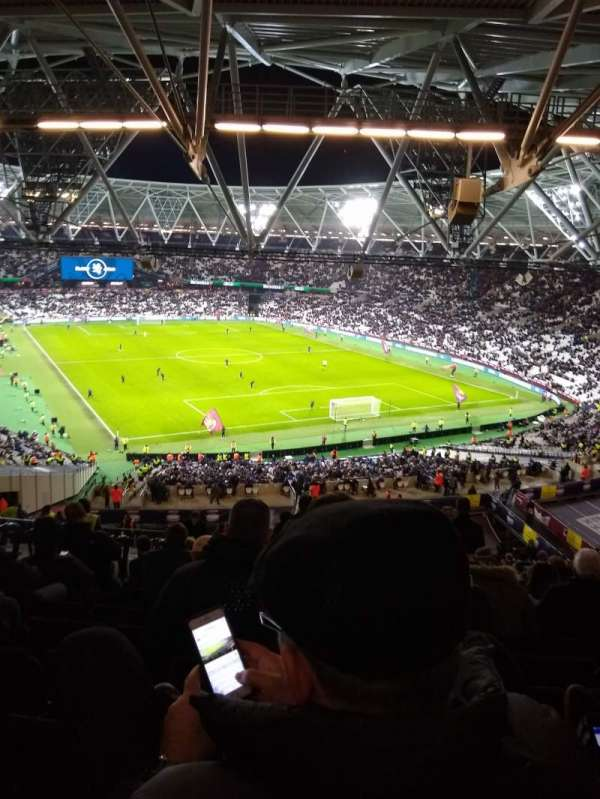 London Stadium, vak: 218, rij: 65