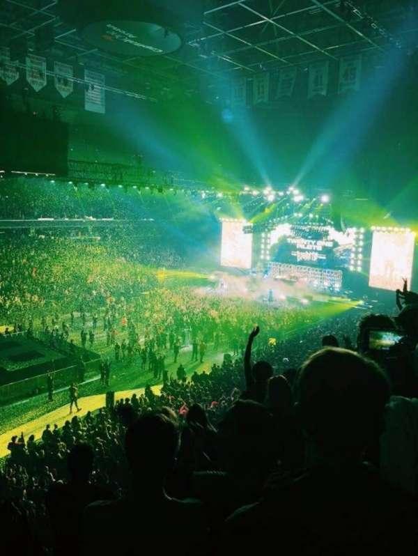 Capital One Arena, vak: 212, rij: E, stoel: 10