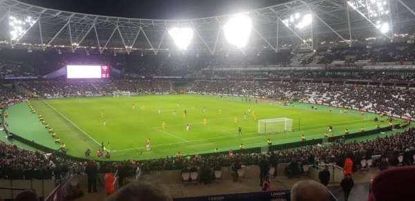 London Stadium, vak: 245, rij: 37