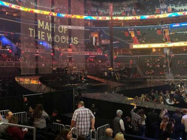 Capital One Arena, vak: 121, rij: J, stoel: 7