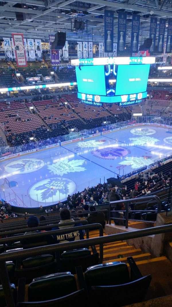 Scotiabank Arena, vak: 324, rij: 10, stoel: 4