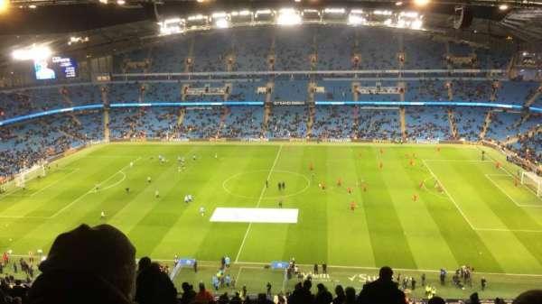 Etihad Stadium (Manchester), vak: 325, rij: CC, stoel: 720