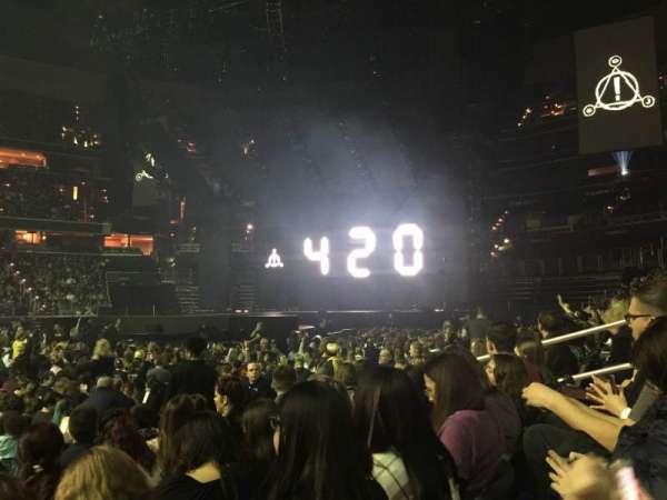 Capital One Arena, vak: 111, rij: E, stoel: 13