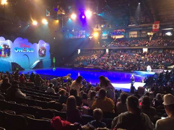 Allstate Arena, vak: 101, rij: N, stoel: 8