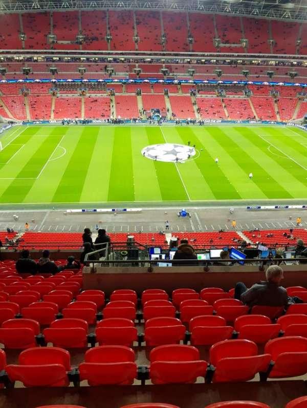 Wembley Stadium, vak: 528, rij: 14, stoel: 27