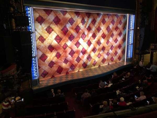 Brooks Atkinson Theatre, vak: Front Mezzanine, rij: A, stoel: 15