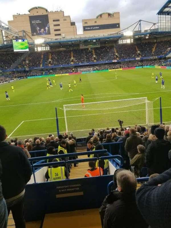 Stamford Bridge, vak: Matthew Harding Lower - L12, rij: X, stoel: 84
