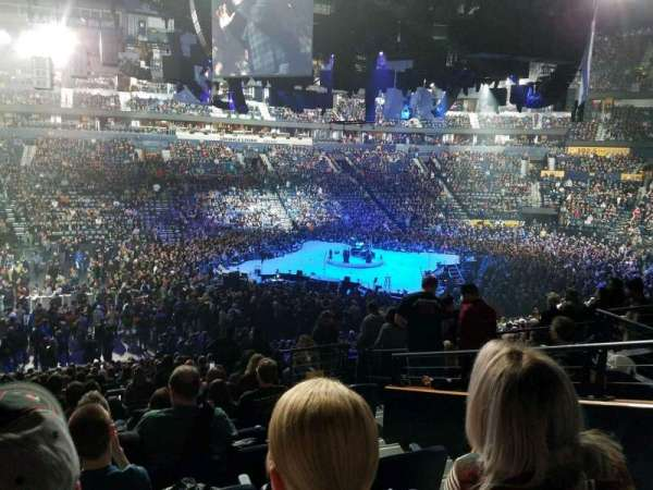 Bridgestone Arena, vak: 114, rij: n, stoel: 3