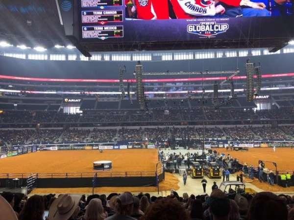 AT&T Stadium, vak: C136, rij: 19, stoel: 13